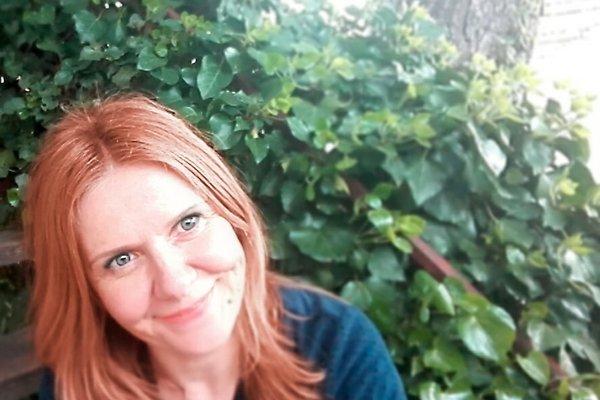 Mrs. E. Stief-Musec (Kontaktperson vom Vermieter/Dolmetscher)