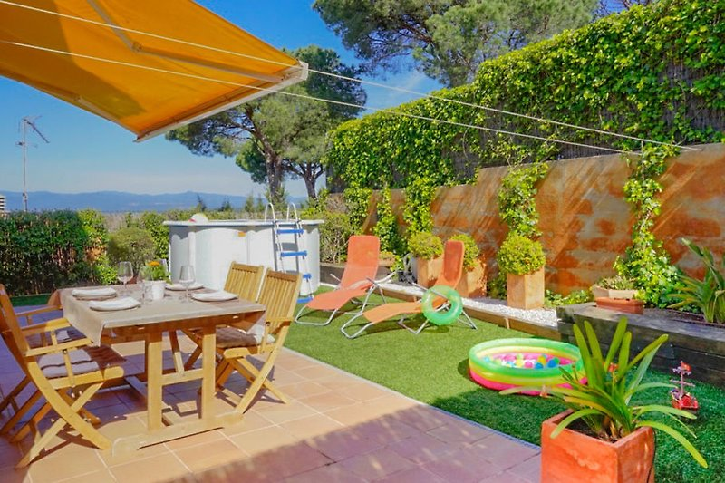 Pool und Garten