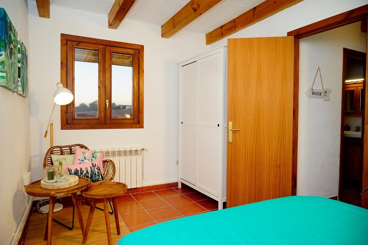 casa mariposa ferienhaus in blanes mieten. Black Bedroom Furniture Sets. Home Design Ideas