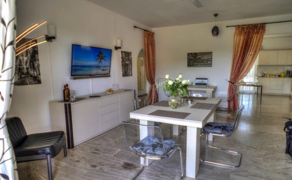 Rolisapartment 100 m2 4 zi k bad ferienwohnung in for Wohnzimmer queen