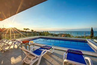 Sea view villa Canyelles 53396