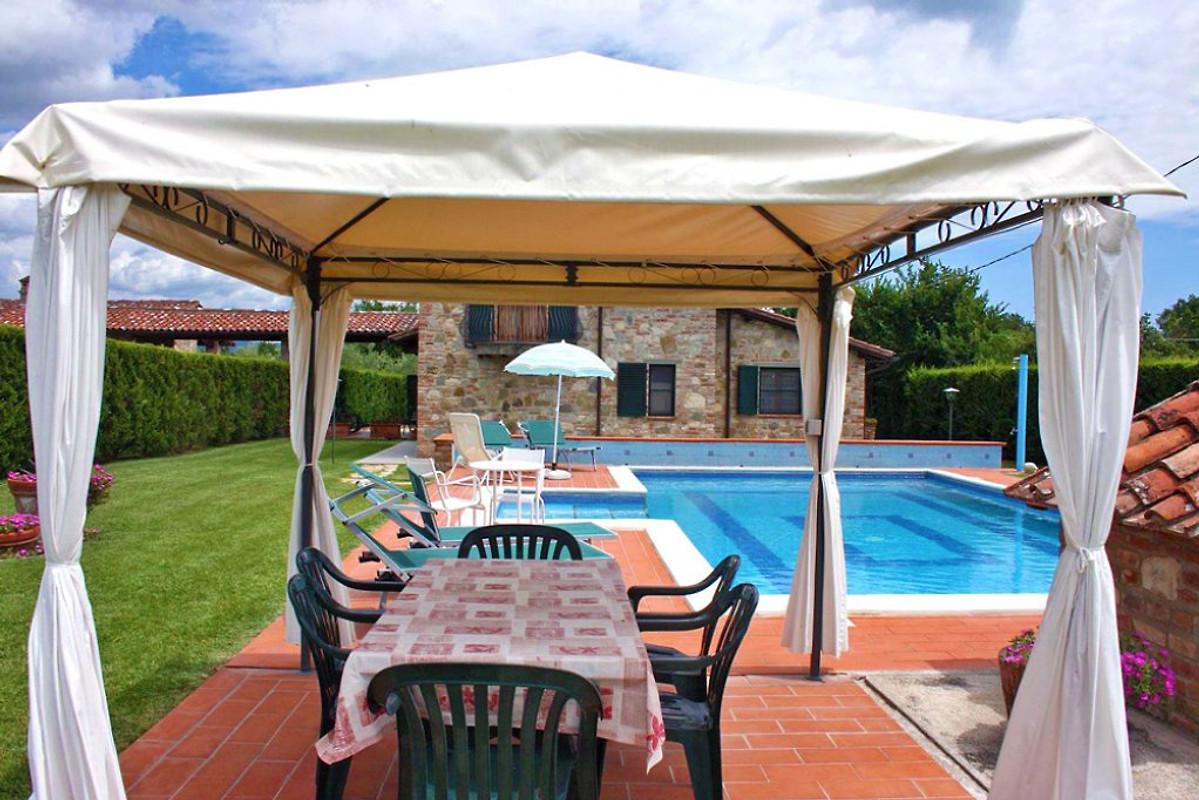castiglione del lago 330 mit pool ferienhaus in castiglione del lago mieten. Black Bedroom Furniture Sets. Home Design Ideas