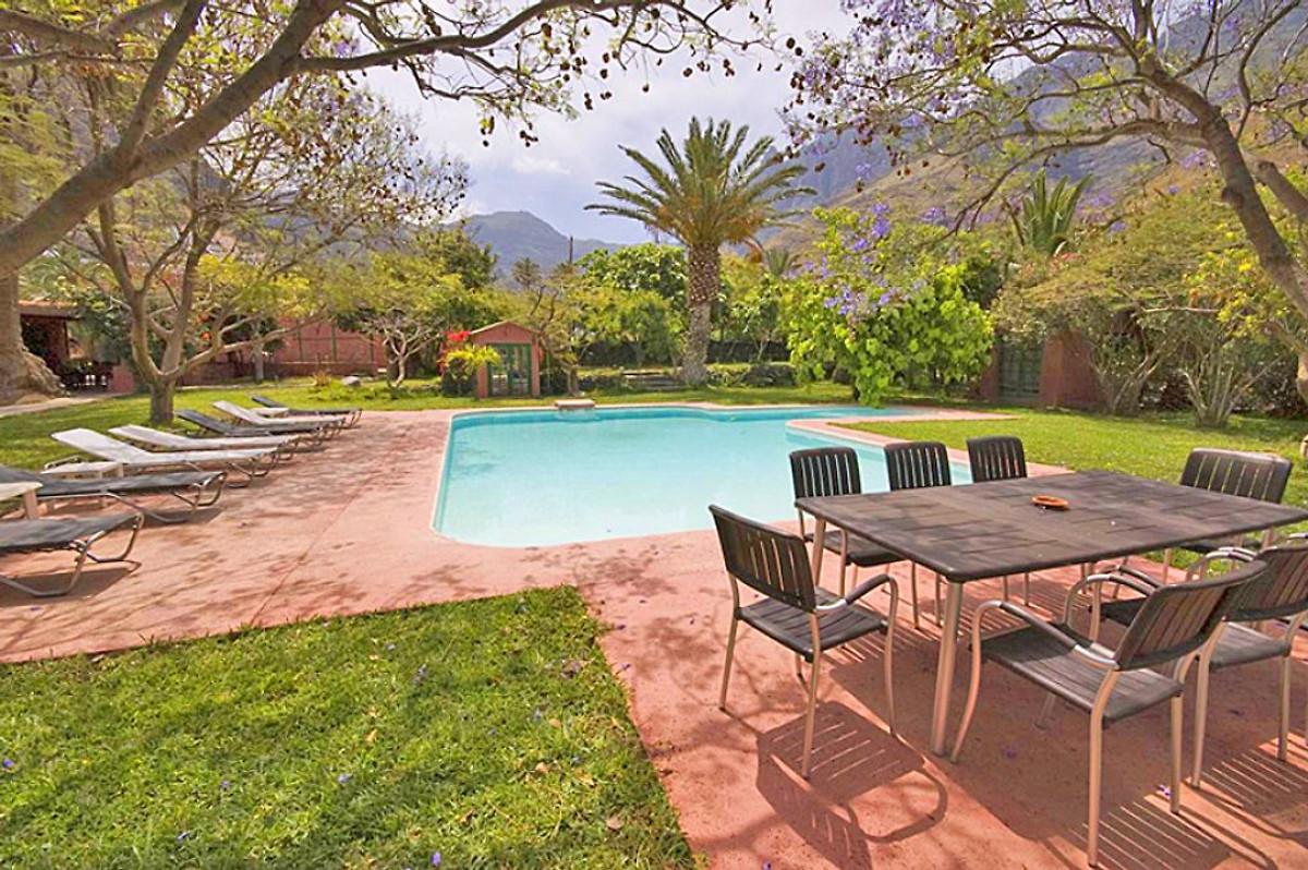 Agaete 4012 con grande piscina privata casa vacanze in for Piscinas agaete