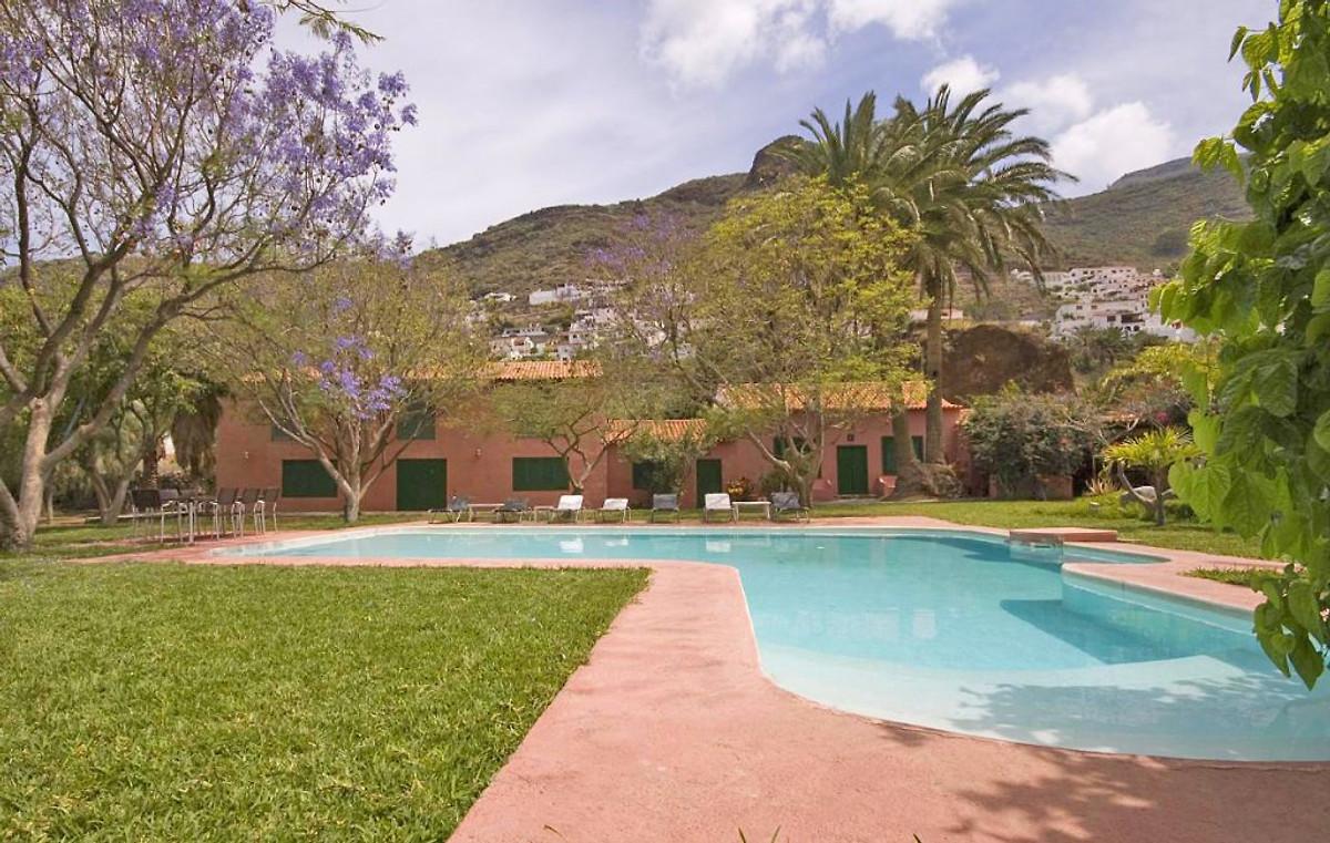 Agaete 4012 con una gran piscina privada casa de for Piscinas de agaete