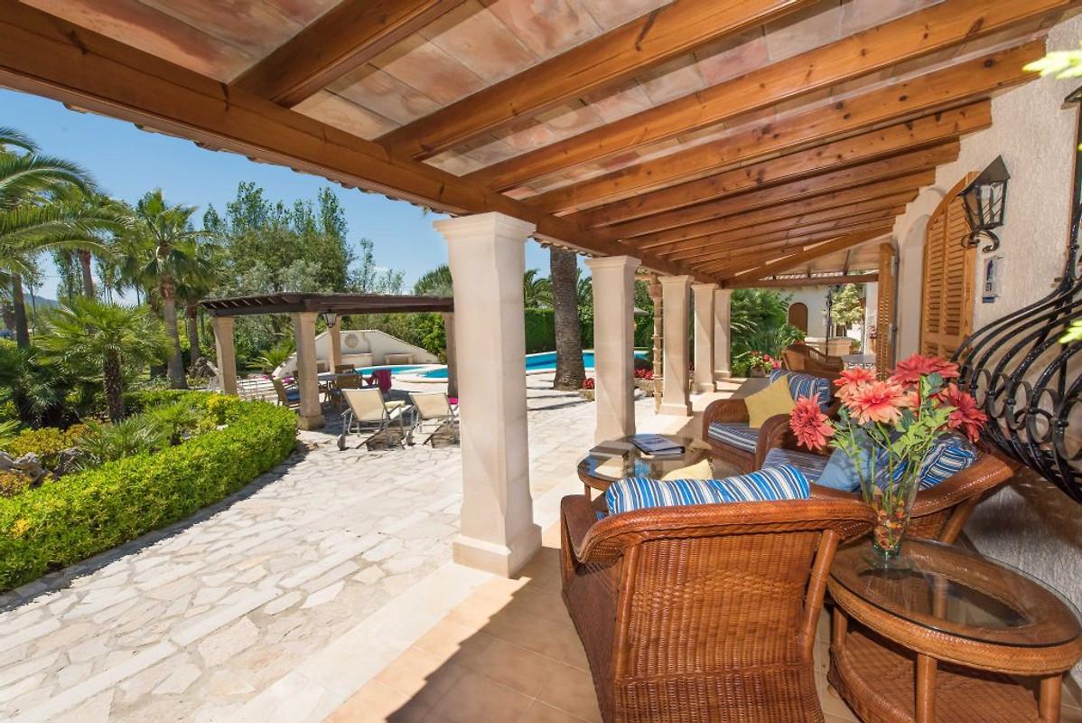 Pollensa 3158 met zwembad jacuzzi vakantiehuis in for Vakantiehuis met jacuzzi
