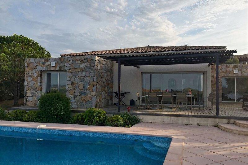 Bonita casa en Lumio en Lumio - imágen 2