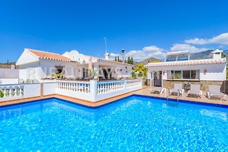 Villa Nerja, pool, near the beach