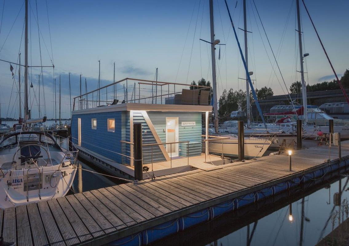 ostsee hausboot antje frieda hausboot in burgstaaken mieten. Black Bedroom Furniture Sets. Home Design Ideas