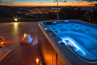 Villa Arezzo mit Pool in Alleinlage