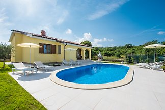 NEU Villa Carmela