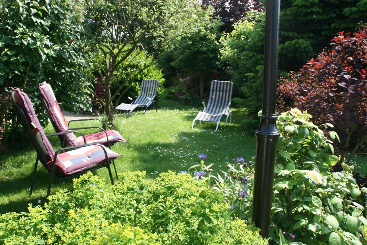 Zum Schönen Garten Fewo Nr2garten In Greetsiel Frau Birgit Stieber