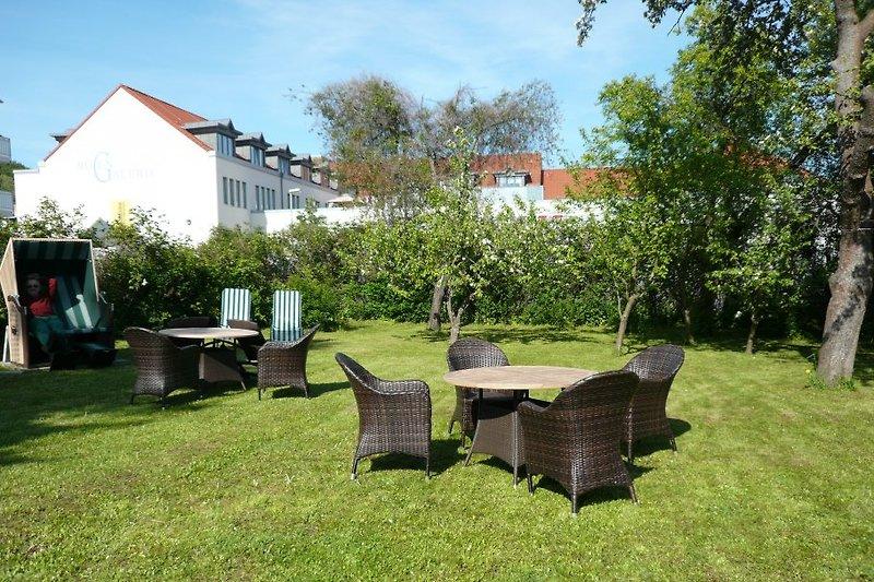 Garten mit Sitzgruppen