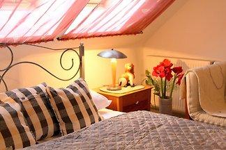 YELLOW mit 2 Schlafzimmer /2 Bädern