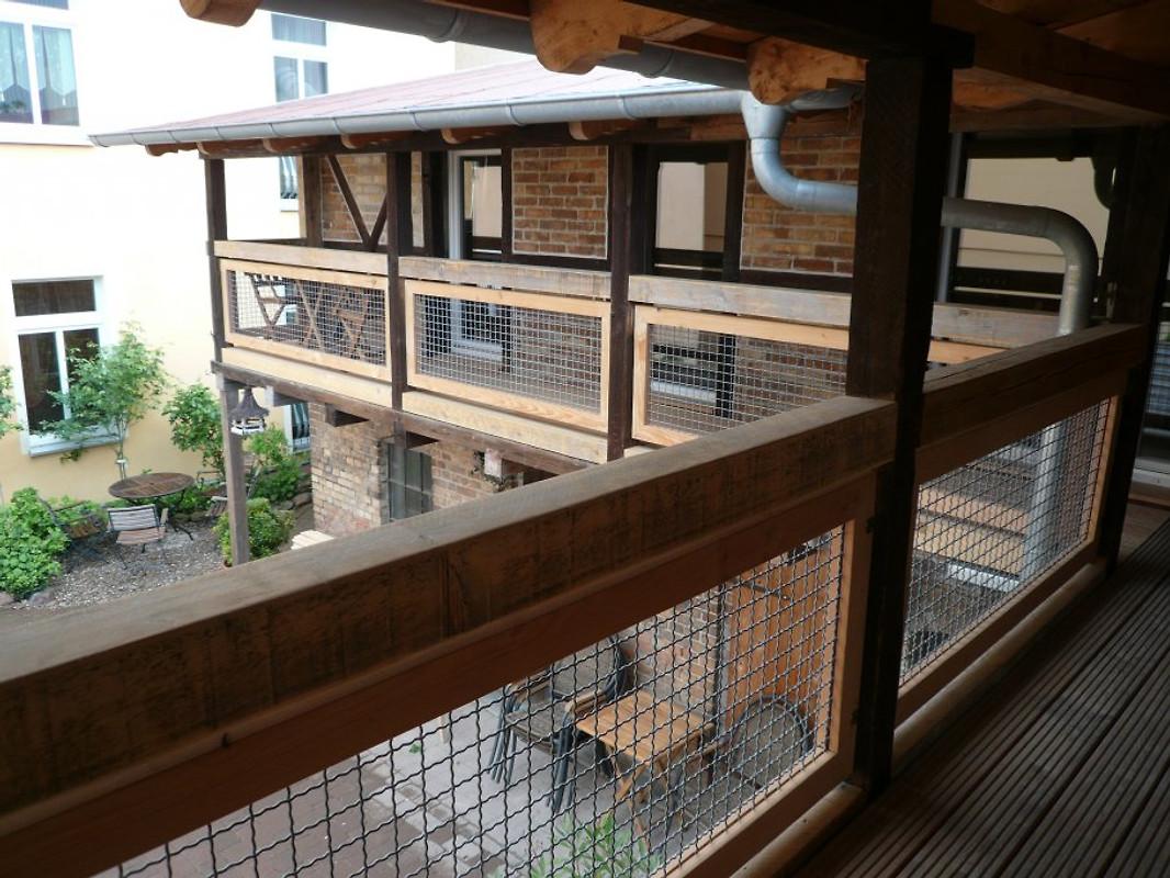 toskana mit balkon in waren ferienwohnung in waren. Black Bedroom Furniture Sets. Home Design Ideas