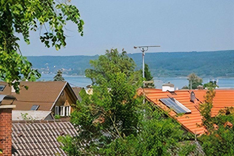 Blick aus dem Wohnraum, Ostseite