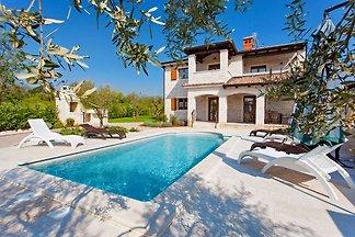 Villa Lory