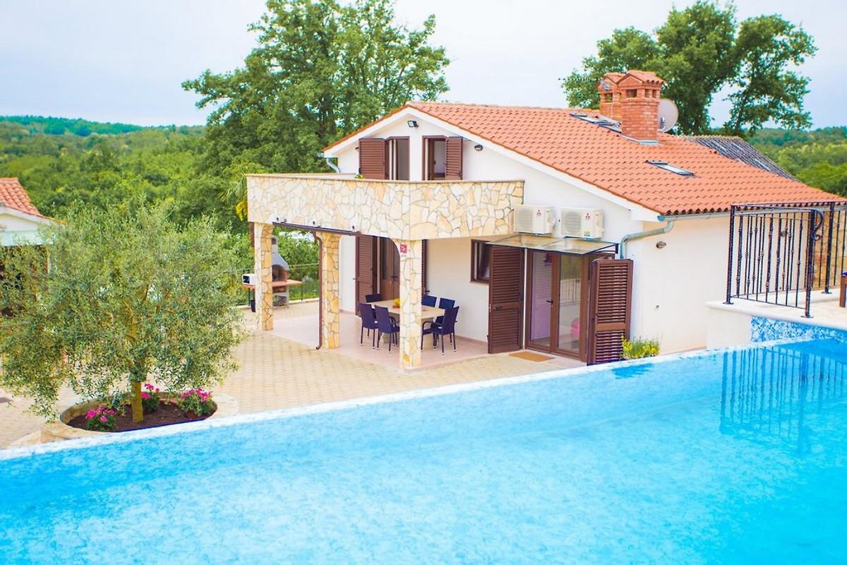 villa lara maison de vacances karojba louer. Black Bedroom Furniture Sets. Home Design Ideas
