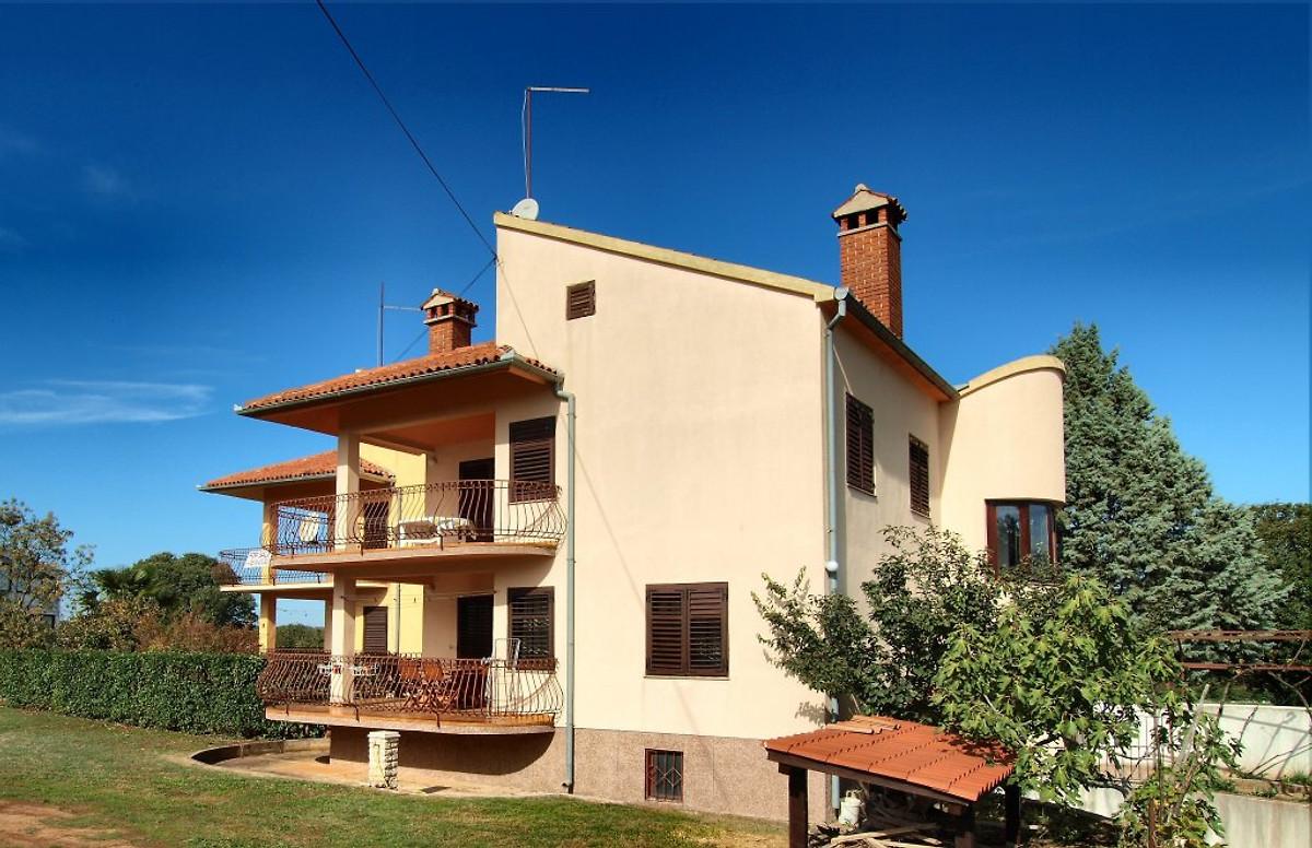 Casa francesca casa vacanze in bale affittare for Piani casa a prezzi accessibili 5 camere da letto
