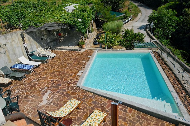 pool ( water hight cm 140) with beach in entrance - water hight cm 25 for relax