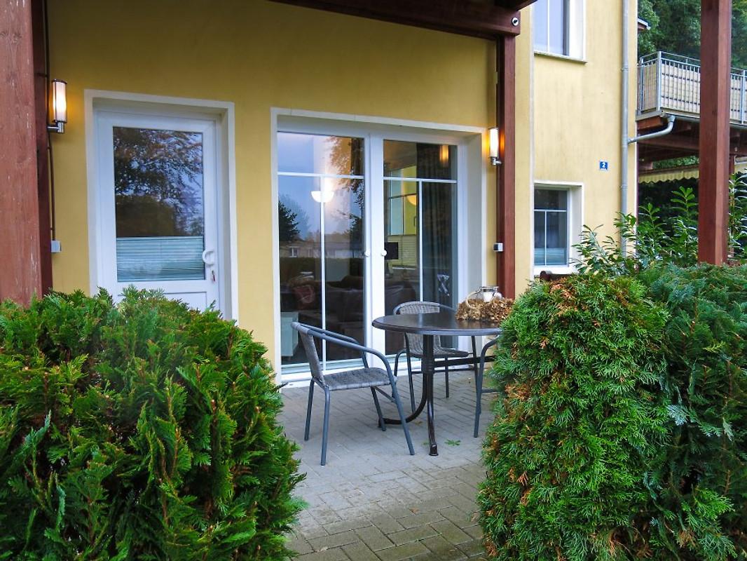 exklusive k nstlerwohnung terrasse ferienwohnung in zinnowitz mieten. Black Bedroom Furniture Sets. Home Design Ideas