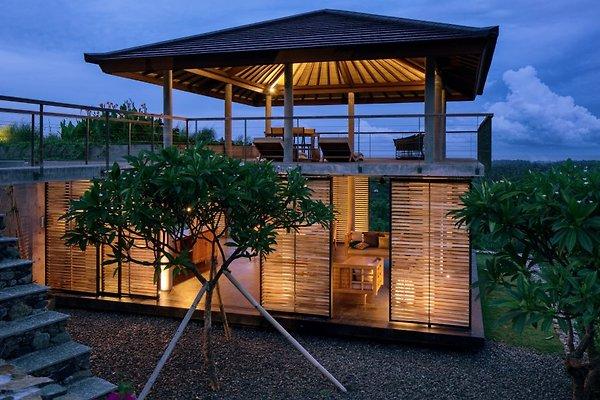 villa arun bali ferienhaus in pemuteran mieten. Black Bedroom Furniture Sets. Home Design Ideas