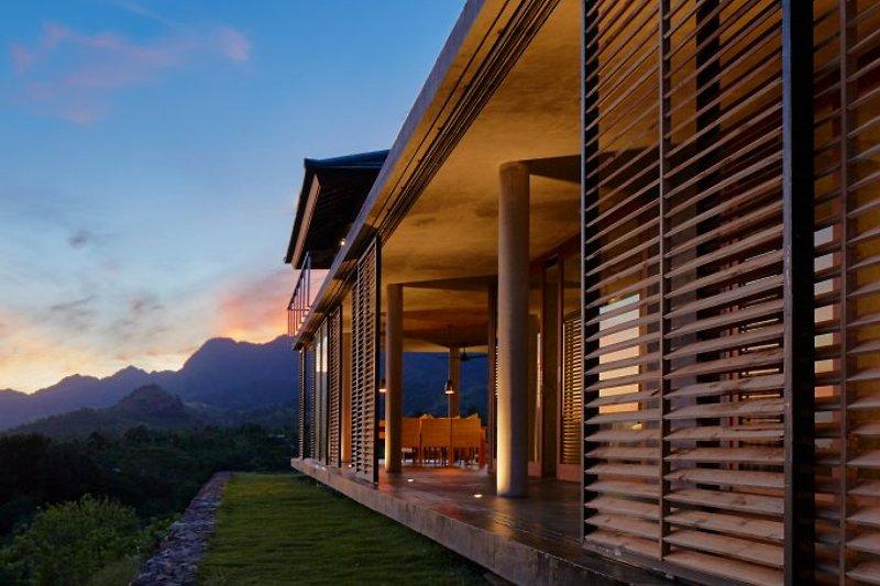 Villa im Morgengrauen