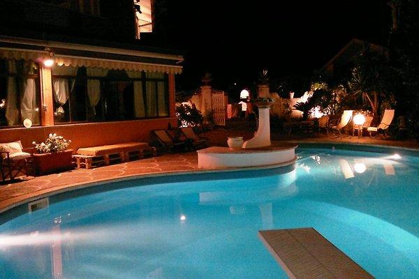 Villa mit Garten und Pool - Ferienhaus in Frascati mieten