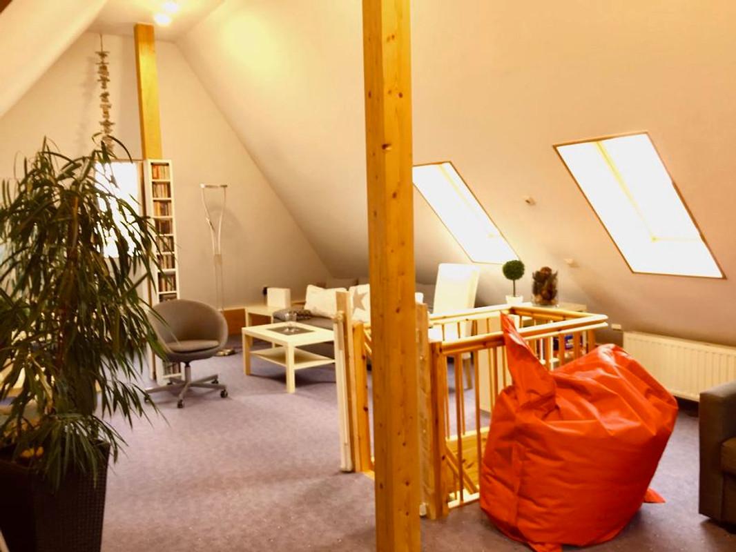 R m hart iii studio vollerwiek ferienhaus in vollerwiek for Schreibtisch yoga