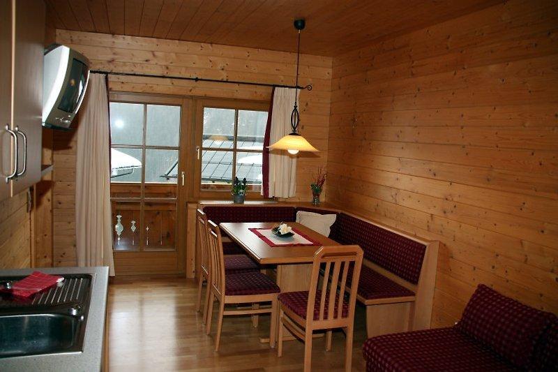 gemütlich eingerichtete Wohnküche