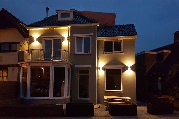 Strandhaus in Zandvoort - Bild 1