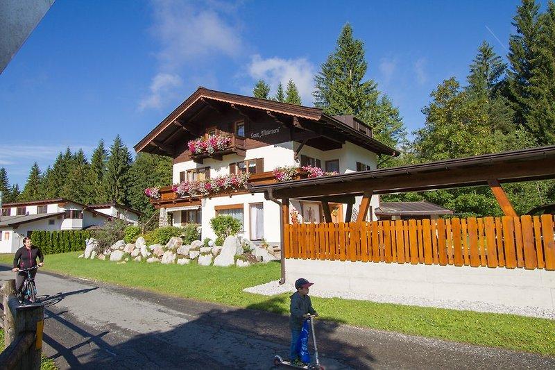 Haus Mitterhorn mit Carport