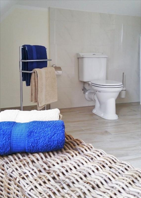 fewo ostseestrand im schloss ferienwohnung in gro l sewitz mieten. Black Bedroom Furniture Sets. Home Design Ideas