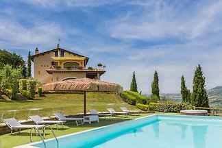 Villa Eden with panoramic pool and wonderful sea view, just 7 km from the beaches of Pedaso.