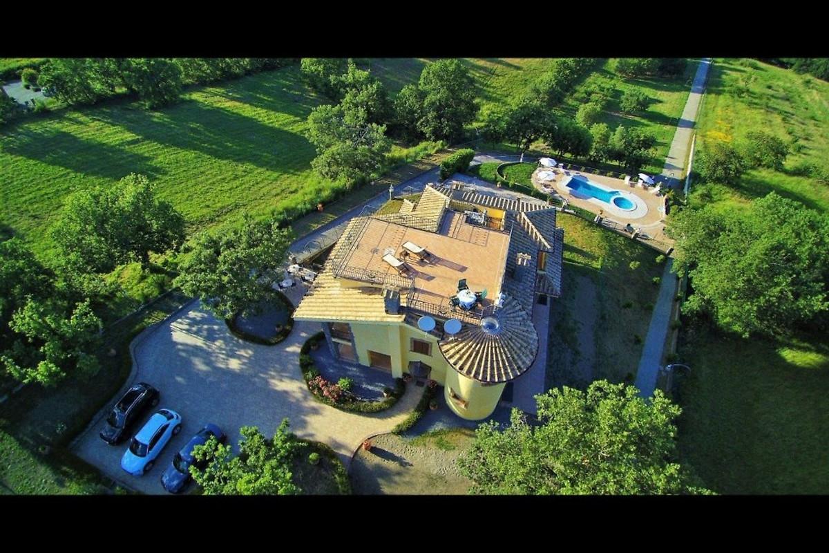 Villa la terrazza vakantiehuis in bolsenasee huren - Villa la terrazza ...