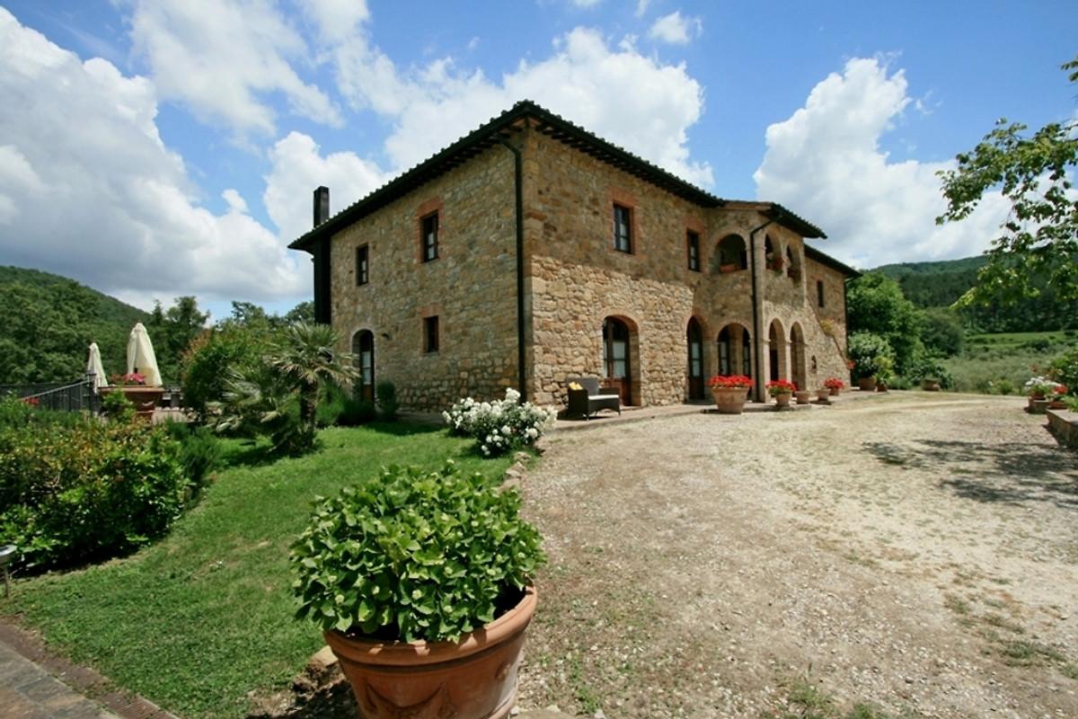 Villa toscane maison de vacances radicondoli louer for Simulateur de jardin