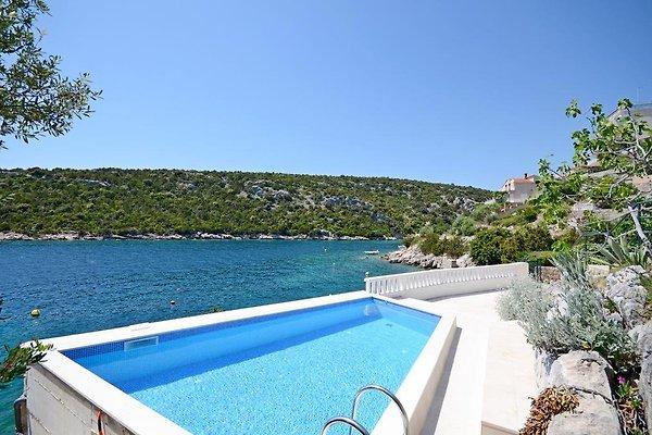 Direkt am meer haus mit pool direkt meer ferienhaus in for Mallorca haus mieten