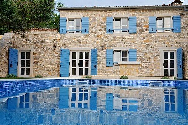 Einzigartiges Haus mit Pool in Vir - Bild 1