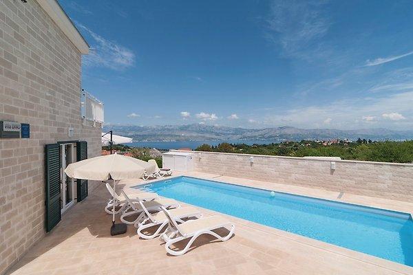Maison neuve avec piscine et vue maison de vacances - Maison neuve avec piscine ...