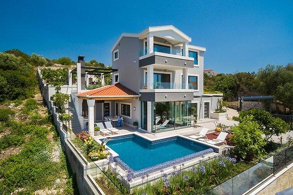 Luksuzna kuća sa 5 zvjezdica s bazenom u Okrug Gornji - Slika 1
