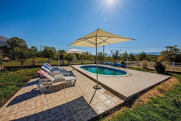 Charmante maison de campagne avec piscine maison de for Piscine 9eme