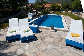 Casa dalmata rustica con piscina