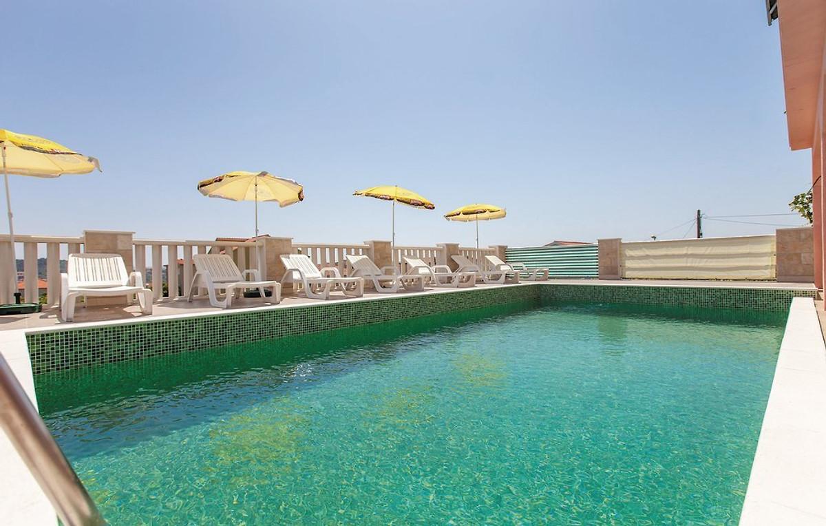 Maison budget avec piscine chauff e maison de vacances for Budget piscine