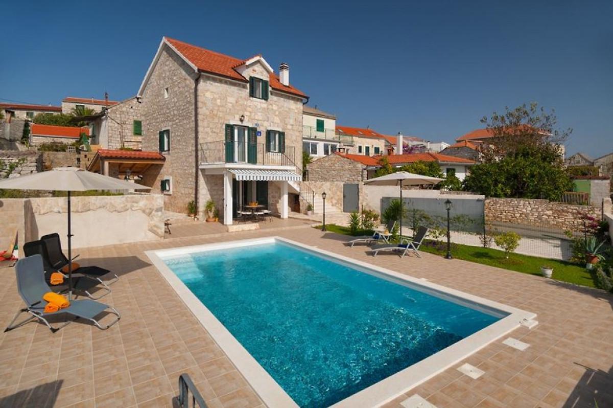 Das alte steinhaus mit pool ferienhaus in donje selo mieten for Kleines haus mieten