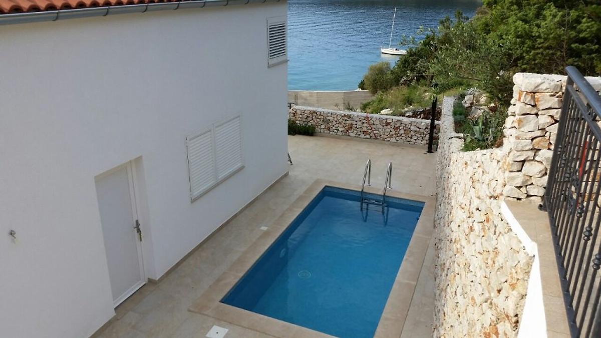 Maison neuve avec piscine 50 m de la mer maison de - Maison neuve avec piscine ...