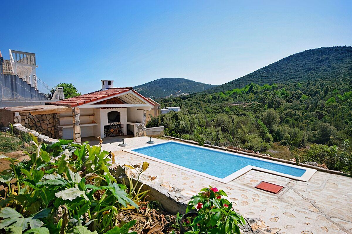 Piccola casa con piscina casa vacanze in trogir affittare - Piccola piscina ...