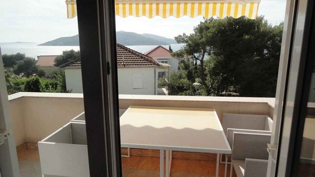 Velika kuca s bazenom - Kuća za odmor u Trogir unajmiti