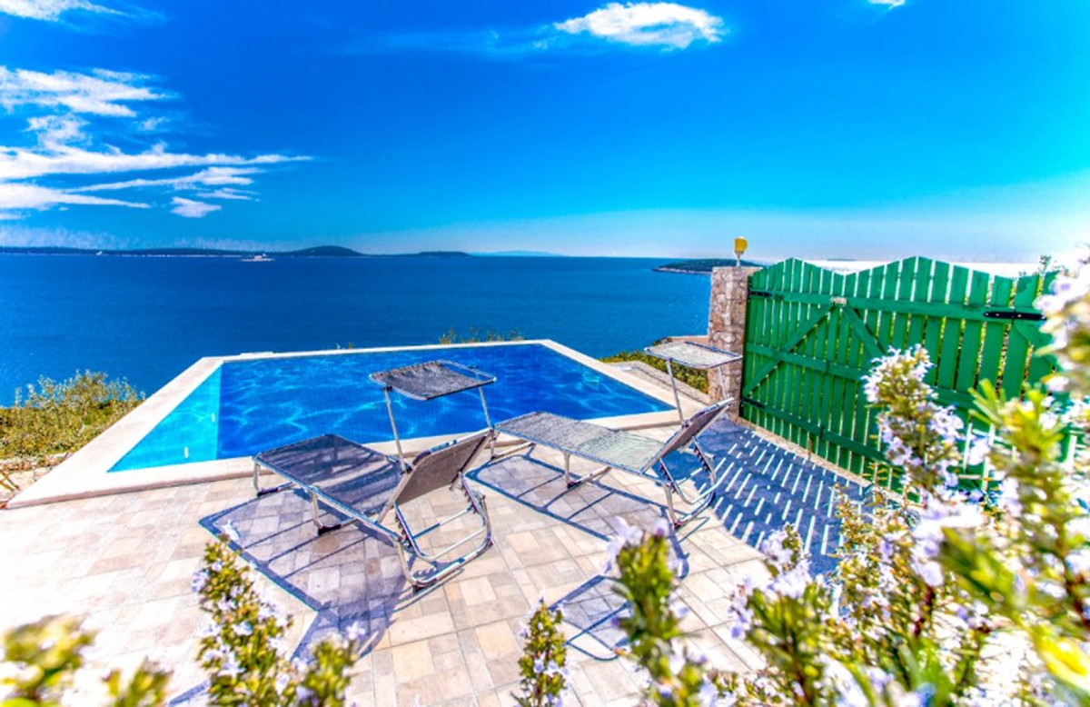 Kleines robinson Haus mit Pool in Vinisce - Firma Larus, Mate Pazanin