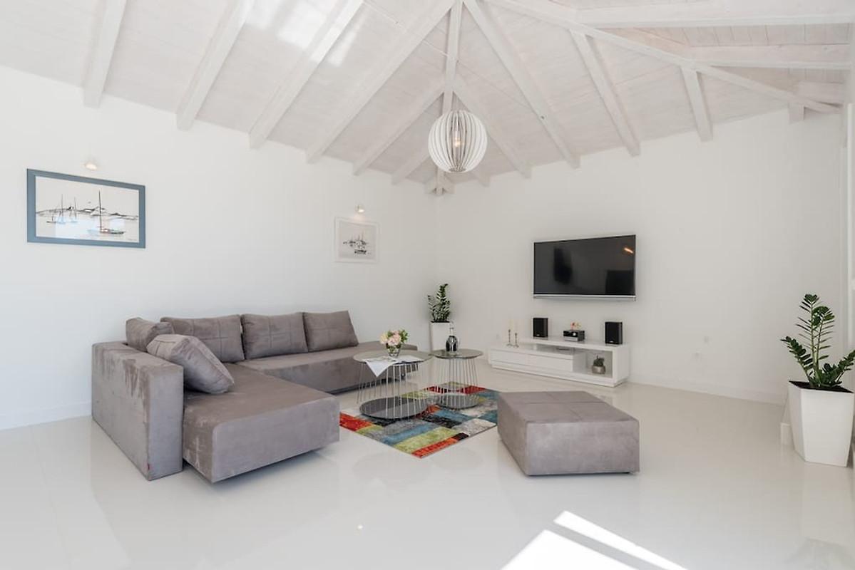 Nieuw modern huis met zwembad vakantiehuis in sukošan huren