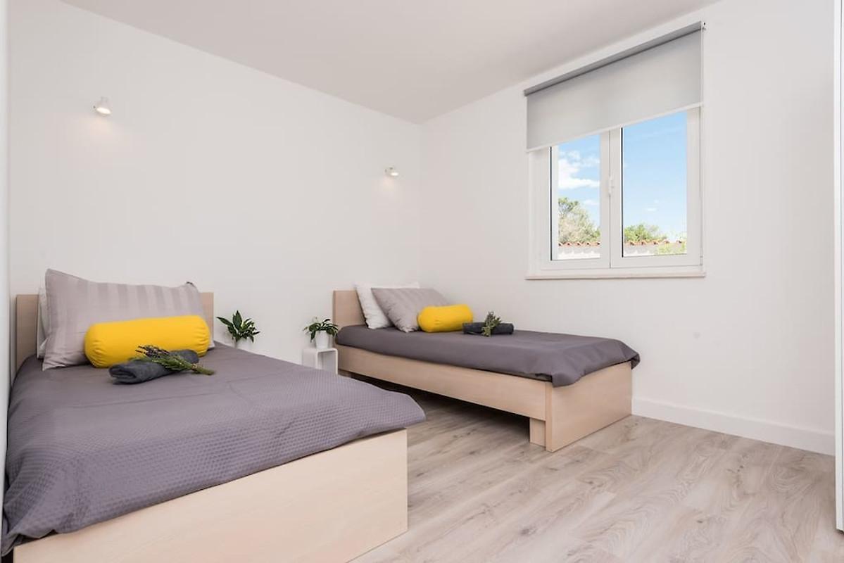 Nieuw modern huis met zwembad in sukošan bedrijf larus l trogir