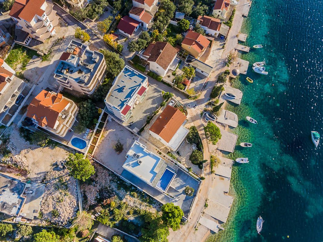 Grande maison avec piscine 50 m de la mer maison de for Piscine 50 metres